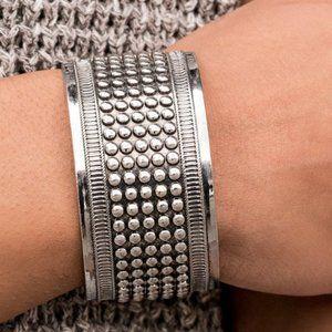 🌷 5/$30 Bronco Bust - Silver Bracelet